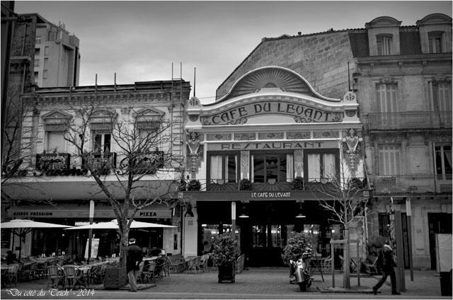 BLOG-DSC_26845-taverne du Nord et café du Levant Bordeaux St Jean N&B