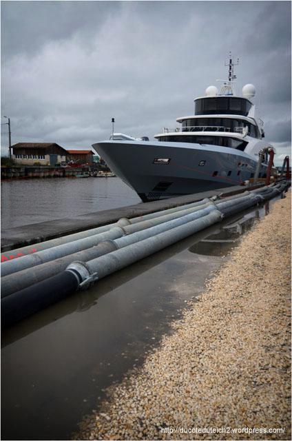 BLOG-DSC_27027-cale mise à l'eau yacht 5000 Fly 02 Couach le Belongers 1er Mars 2014