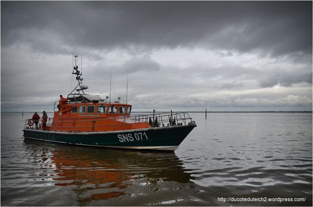BLOG-DSC_27048-SNSM port du Canal jour mise à l'eau yacht 5000 Fly 02 Couach le Belongers 1er Mars 2014