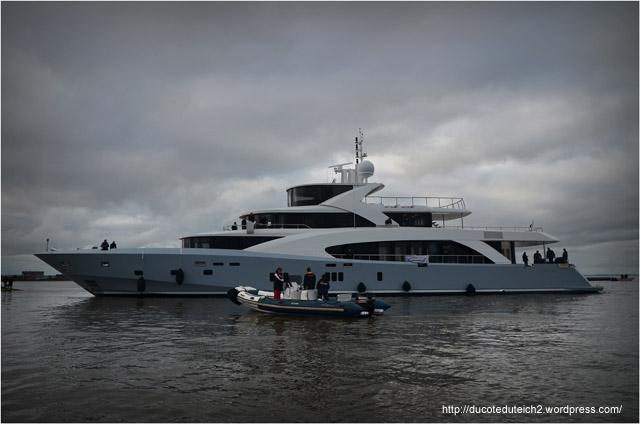 BLOG-DSC_27070-mise à l'eau yacht 50 mètres Couach le Belongers 1er Mars 2014