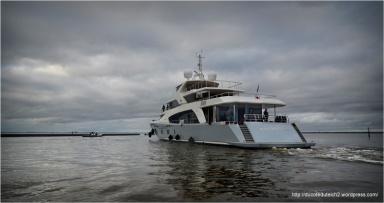 BLOG-DSC_27087-mise à l'eau yacht 50 mètres Couach le Belongers 1er Mars 2014