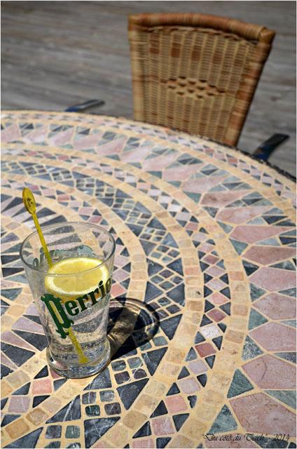 BLOG-DSC_28205-verre perrier citron terrasse pavillon du parc domaine de Grenade