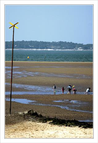 BLOG-DSC_5787-brochette d'enfants plage Péreire Avril 07