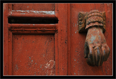 BLOG-DSC_9182-heurtoir & boîte porte rouge Puycelci