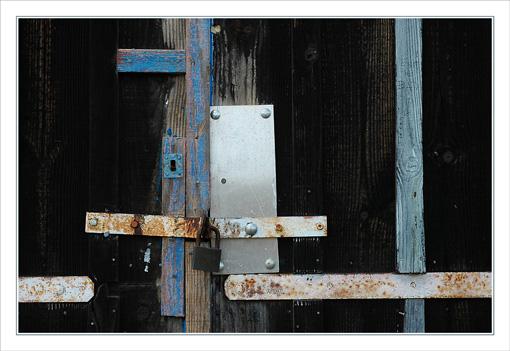 BLOG-DSC_9638-ferrures & porteN&Bleue la Mole