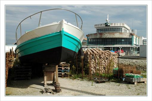 BLOG-DSC_9652-bateau sur cale & lycée de la mer