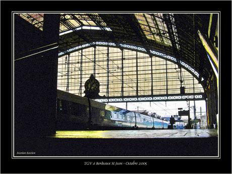 BLOG-Img_1552-quai gare StJean et TGV effets