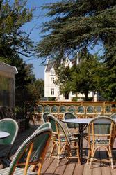 terrasse_pavillon_du_parc_et_chateau_domaine_de_grenade