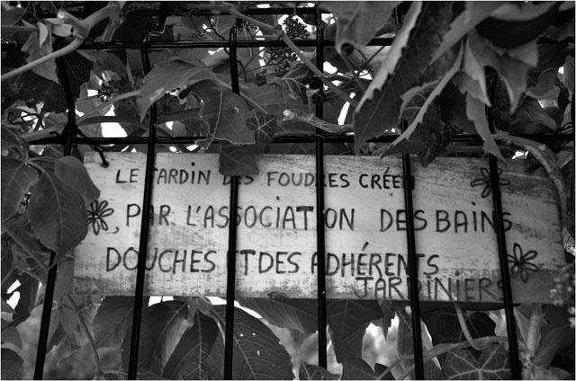 BLOG-DSC_28944-jardin des foudres Belcier des bains-douches N&B