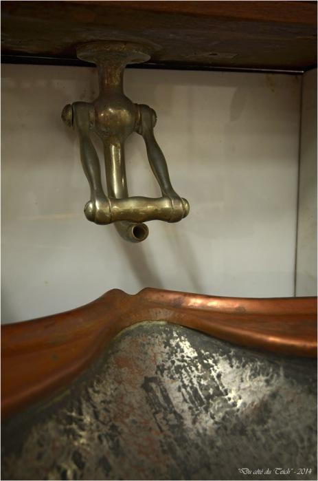 BLOG-DSC_29412-meuble lavabo bateau 35ème salon des antiquaires