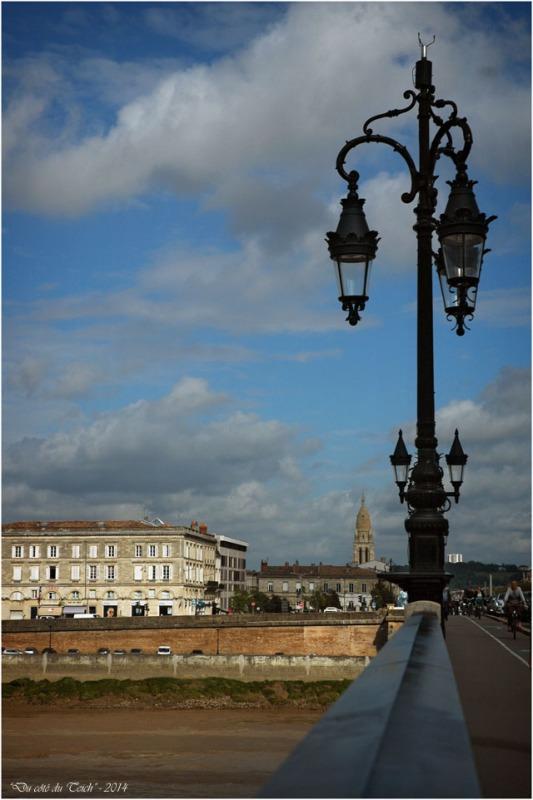 BLOG-DSC_2359-pont de pierre et église Ste Marie Bordeaux Bastide