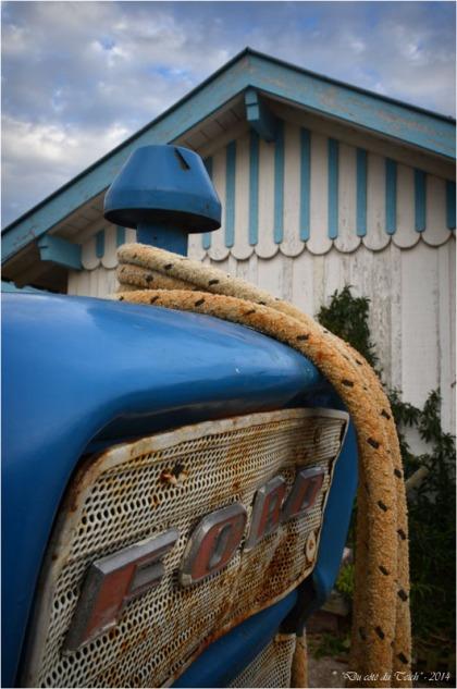BLOG-DSC_31869-tracteur cabane Cap-Ferret