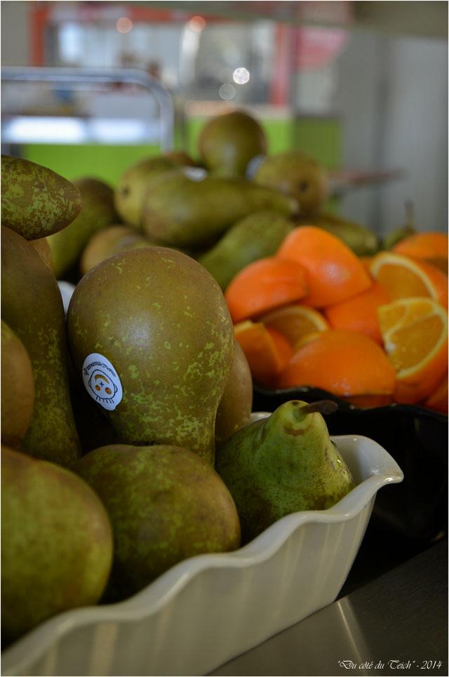 BLOG-DSC_32438-poires et oranges cantine