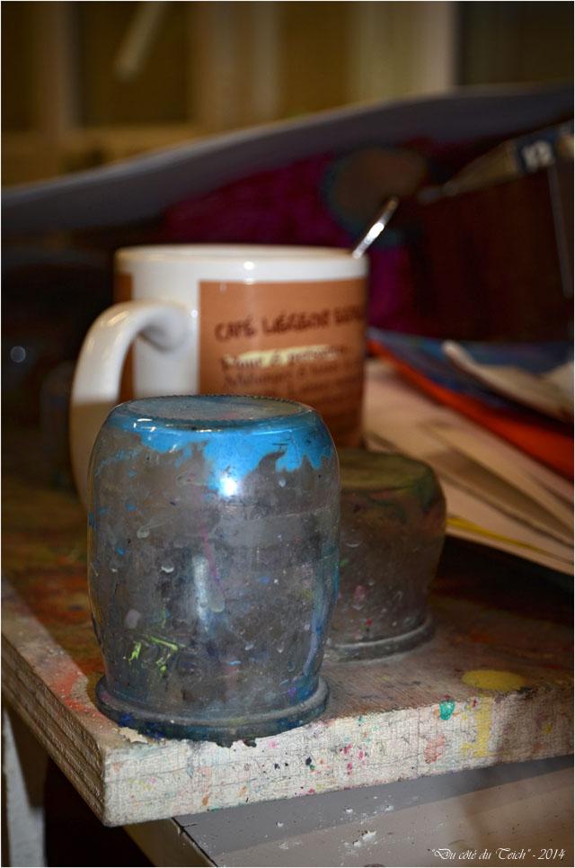 BLOG-DSC_32703-pots nettoyage pinceaux et mug café