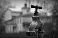 BLOG-DSC_32732-robinet et château domaine Certes N&B1