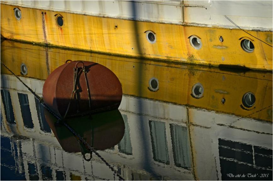 BLOG-DSC_33094-reflet bateau bassin à flot 2 Bordeaux