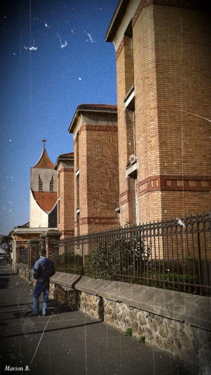 BLOG-20150408_173953-école et église Villeneuve St Georges PA07C