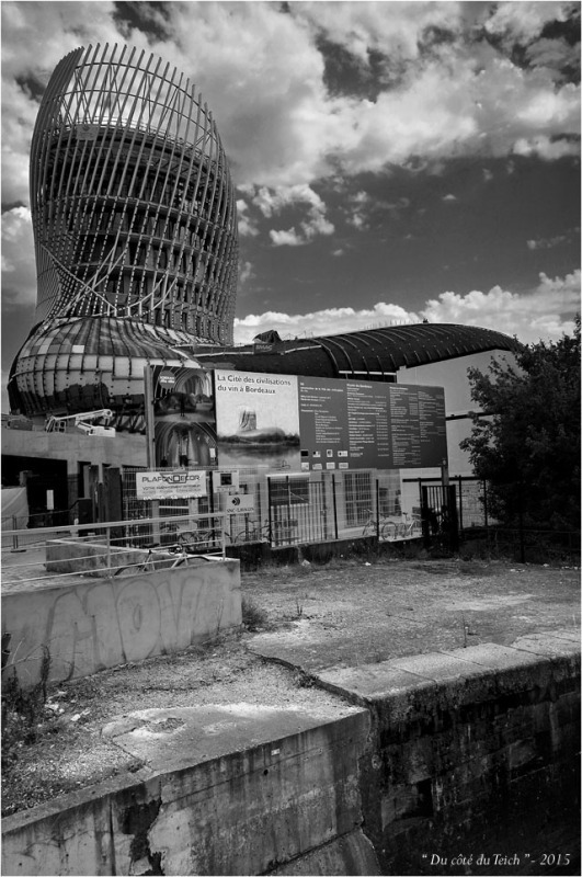 BLOG-DSC_37579-chantier cité civilisations du vin Bordeaux Bacalan N&B