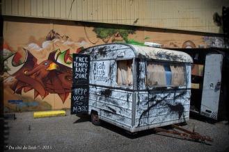 blog-p8200858-pa03-caravanes-caserne-niel.jpg