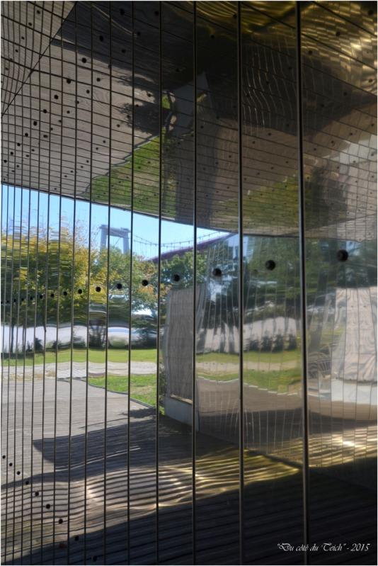 BLOG-DSC_38220-reflet pont Aquitaine