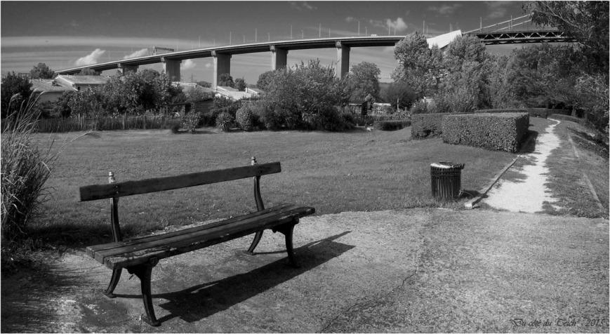 blog-p9161441-42-banc-et-pont-aquitaine-nb.jpg