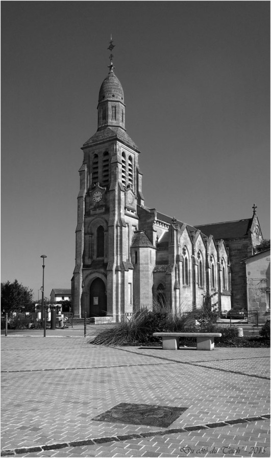 blog-pa011588-église-st-louis-de-montferrand-nb.jpg