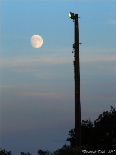 blog-pa252023-lune-et-projecteur.jpg