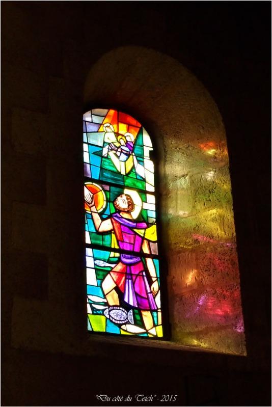 blog-pb062163-vitrail-église-st-seurin-artigues.jpg