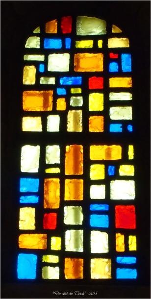 blog-pb062166-vitrail-église-st-seurin-artigues.jpg