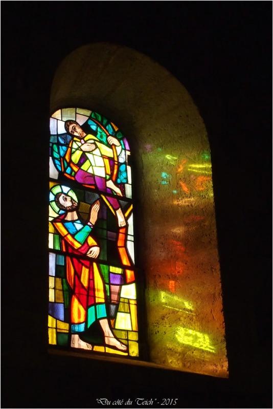 blog-pb062175-vitrail-église-st-seurin-artigues.jpg