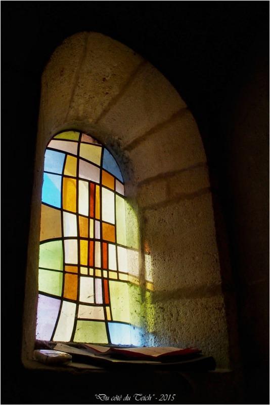 blog-pb062182-vitrail-église-st-seurin-artigues.jpg