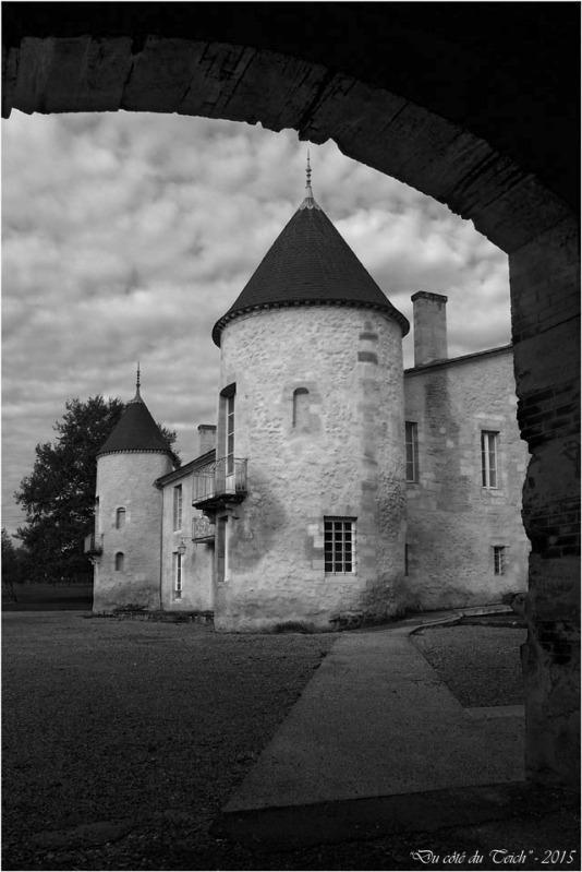 blog-pb062203-château-bétailhe-artigues-nb.jpg