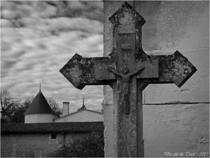blog-pb062214-cimetière-église-st-seurin-artigues-nb.jpg