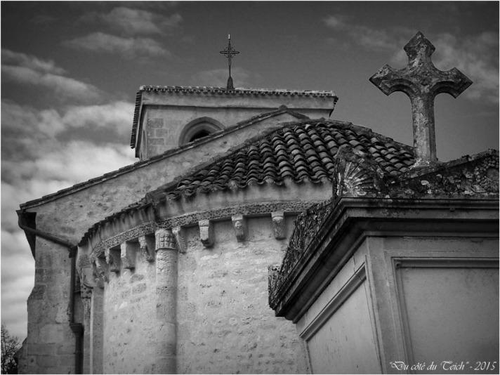 blog-pb062221-cimetière-église-st-seurin-artigues-nb.jpg