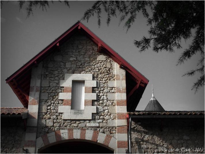 blog-pb062249-dépendances-château-bétailhe-artigues-nb.jpg