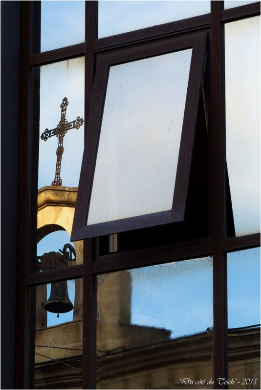 blog-pc143187-reflet-église-orthodoxe-st-martial-bordeaux.jpg