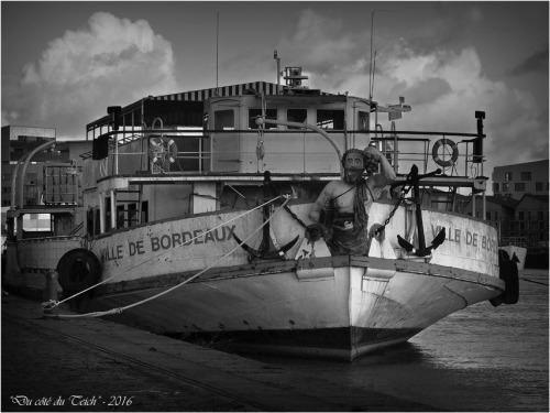 BLOG-P1153535-ville de Bordeaux Bassins à flot N&B