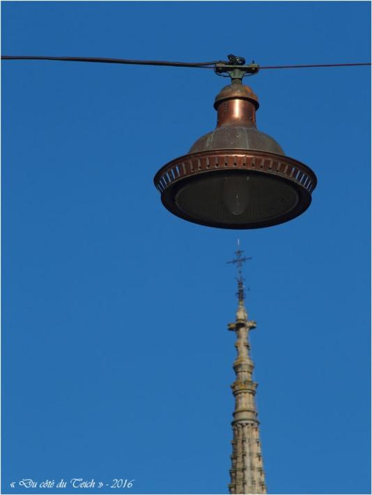 BLOG-P2163817-éclairage et flèche St Michel