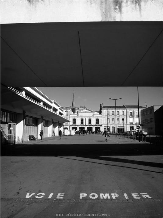 BLOG-P2163874-place marché des Capucins Bordeaux N&B