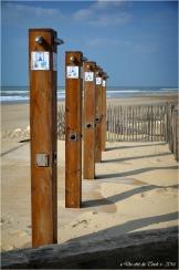 BLOG-DSC_39602-douches plage Lacanau