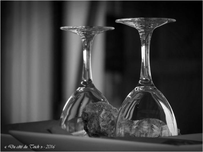 BLOG-P4224405-verres cabane 12 Audenge N&B
