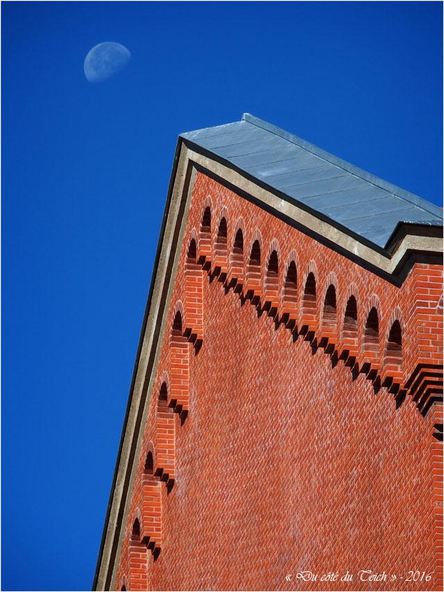 blog-p8235971-lune-et-eglise-ste-therese-nantes