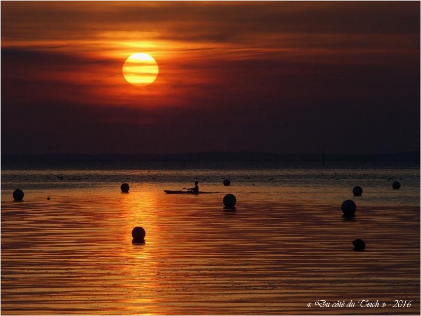 blog-pb026946-canoe-andernos-soleil-couchant