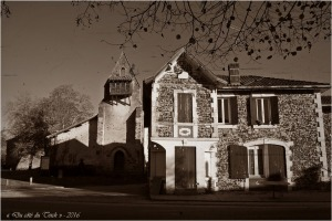 blog-pc027378-maison-et-eglise-notre-dame-de-moustey-pa03-sepia