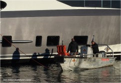 blog-pc137481-plongeurs-mise-a-leau-yacht-44-metres-couach