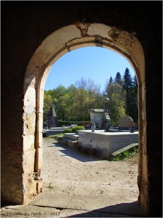BLOG-P4108580-église et cimetière St Pierre de Mons