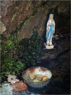 BLOG-P4108624-fontaine St Clair St Pierre de Mons