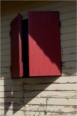 BLOG-P5099125-ombre volets rouges Grand Piquey