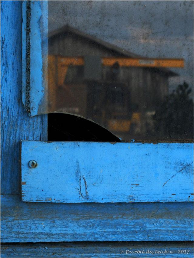 blog-p5299386-reflet-cabane-meyran.jpg