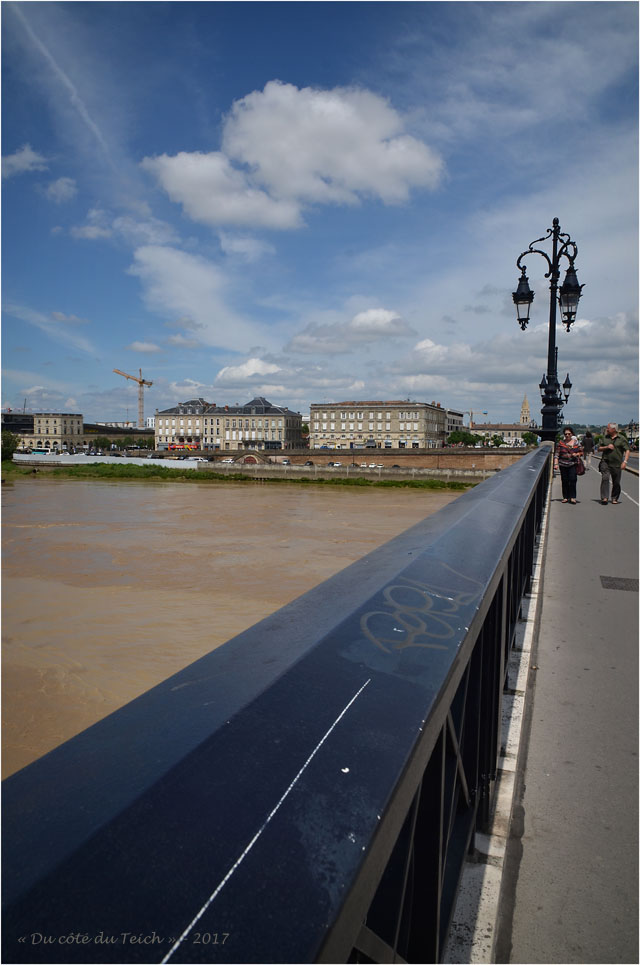BLOG-DSC_41180-pont de pierre et Bordeaux Bastide